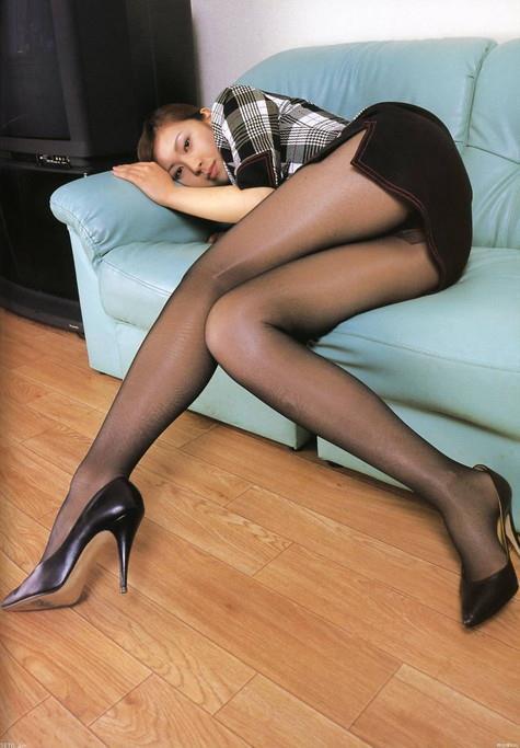 黒パンスト娘に中出しする夢想をしがちなオフィスのおやぢ達