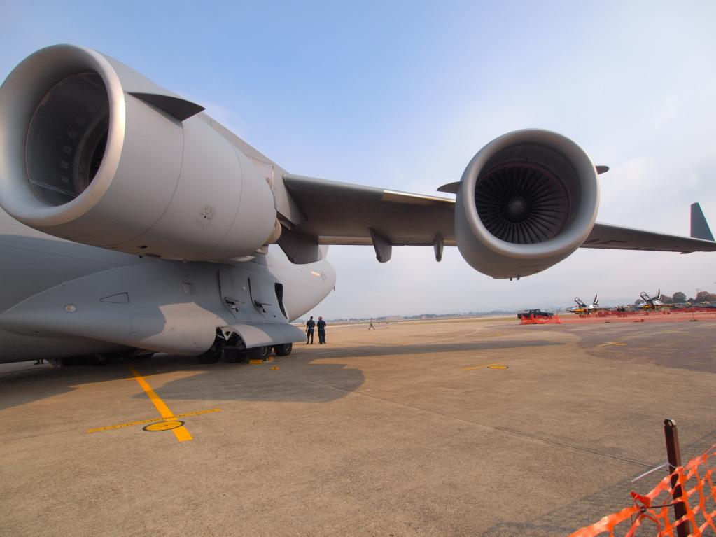 C-17 MZD9-18 E-PL1S ISO100 SS1/1000
