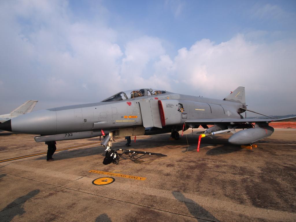F-4? MZD9-18 E-PL1S ISO100 SS1/1000