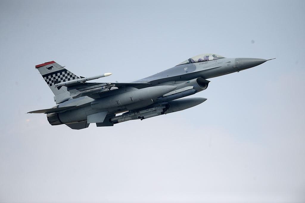F-16C AF-S500F4GVR ISO450 SS1/8000 手持ち