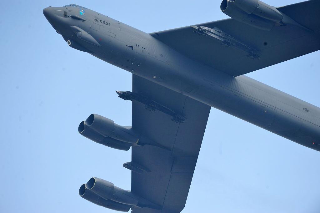 B-52 AF-S500F4GVR ISO200 SS1/2000 手持ち