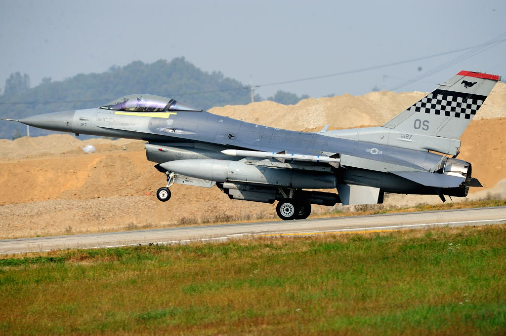 F16C AF-S500F4GVR ISO200 SS1/2000 手持ち
