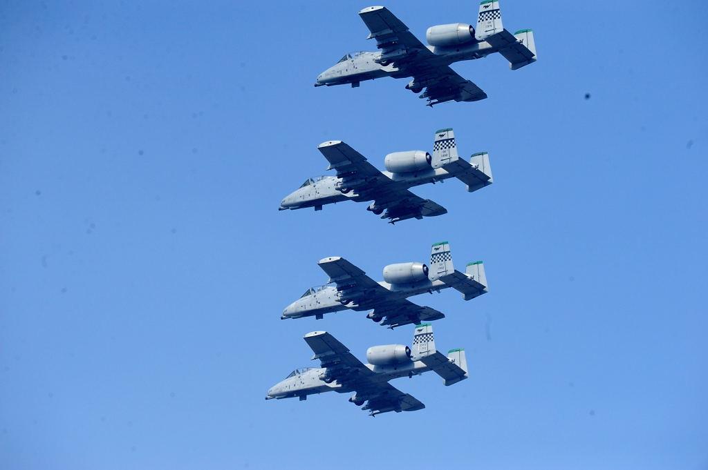 A-10 AF-S500F4GVR D3 ISO200 SS1/2000 手持ち