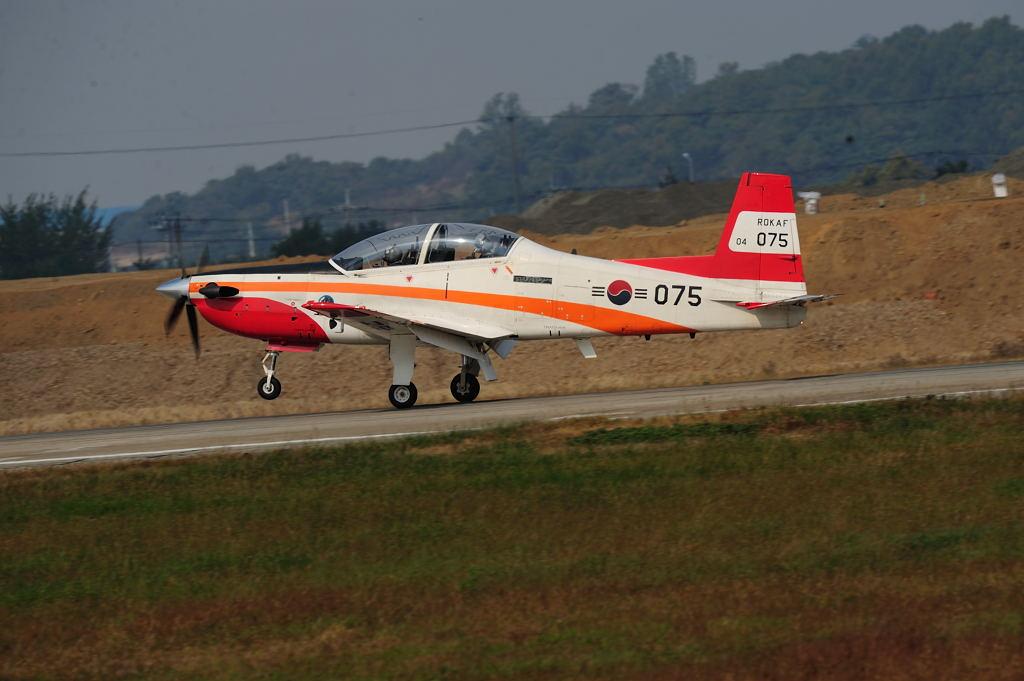 次期練習機 AF-S500F4GVR D3 ISO200 SS1/500 手持ち