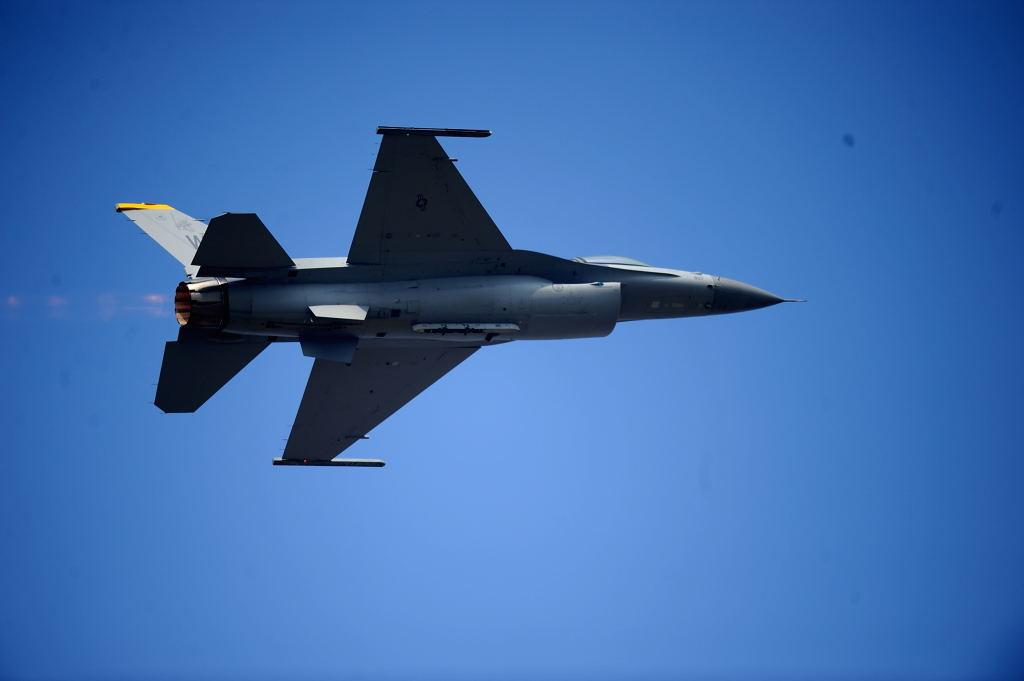 F-16C AF-S500F4GVR D3 ISO220 SS1/2000 手持ち