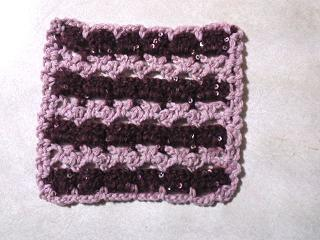 2種類の素材で編む往復編みモチーフ50