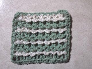2種類の素材で編む往復編みモチーフ52