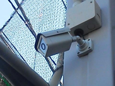 屋外用赤外線防犯カメラ