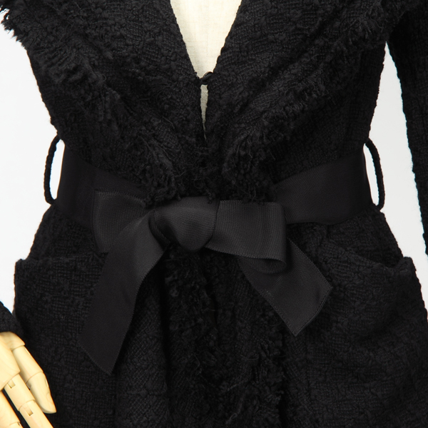 イリゼのフリンジがゴージャスな黒のコート