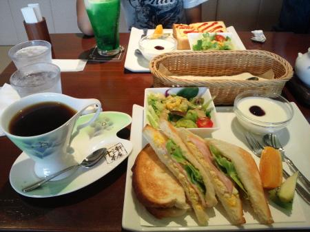 13軒茶屋