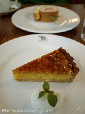 NASU SHOZO CAFE◇松の実のタルト&フルーツロール