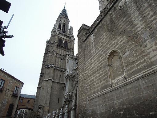 カテドラルの尖塔