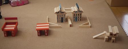 カプラで家とテーブルと椅子121110