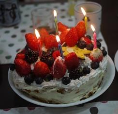 ケーキ ロウソクつけて121224