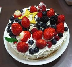 ケーキ フルーツ飾り付け完成121224
