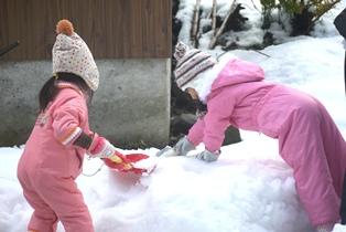 雪遊びー1-121229