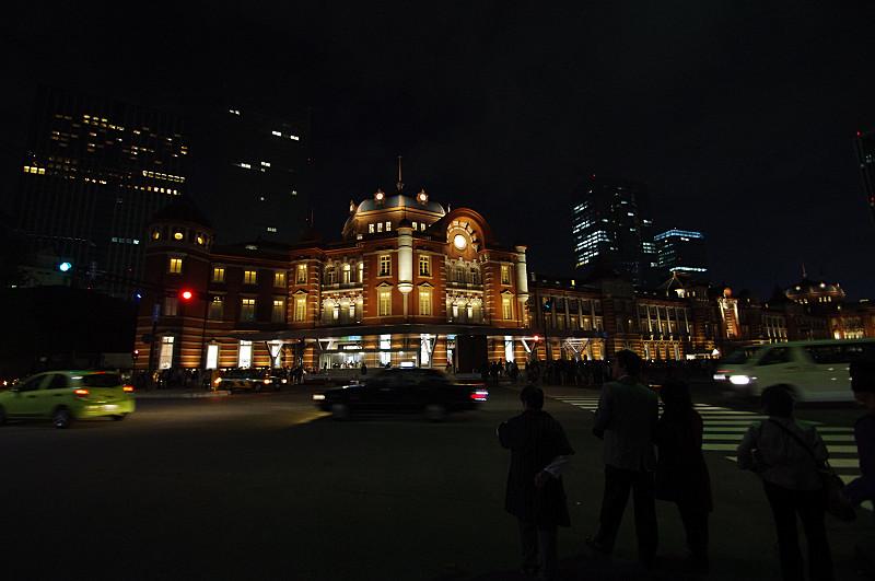 夜の東京駅ドーム