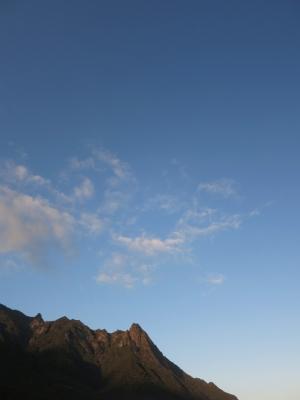 140127-12=モ岳と青空