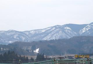 差と山の雪消える