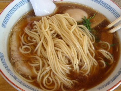 翠月・醤油ラーメン 麺