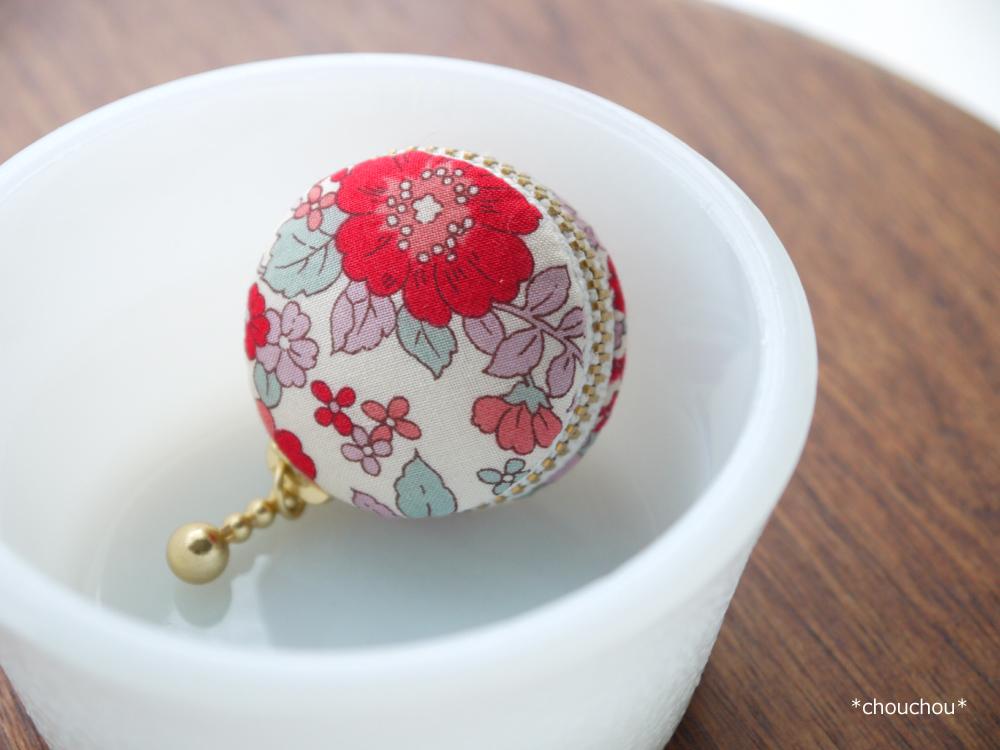 マカロン 赤 小花