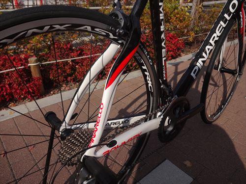 pinarello2014-marvel-blackred-seat.jpg