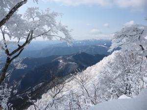 雪の三峰山 +平倉峰♪