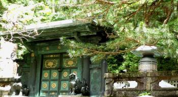 家康の墓門
