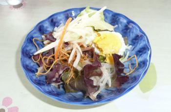 料理1サラダ