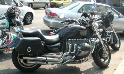 バイク2トライアンフ