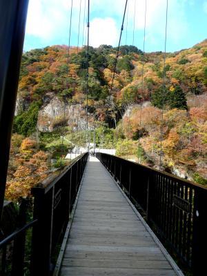 ホテルより吊橋