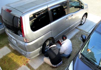 タイヤ交換セレナ1