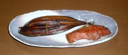 燻製17日秋刀魚・鮭燻製
