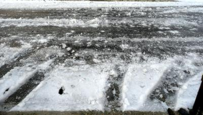 2013年1月15日雪車庫前の道路