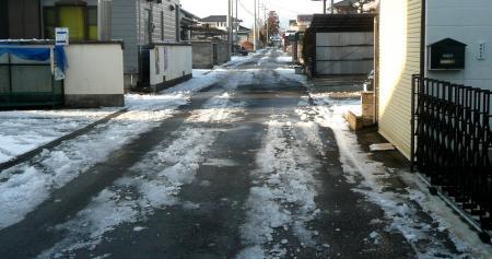 2013年1月15日雪前の道路2