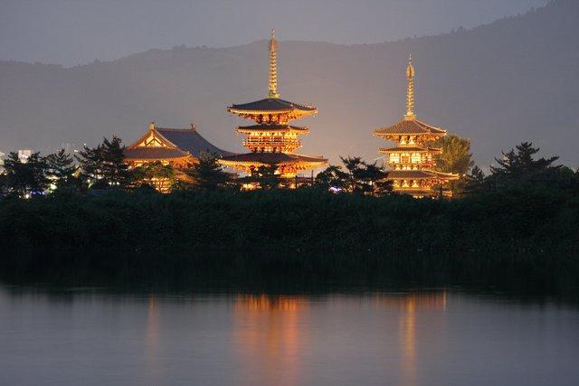 薬師寺再建