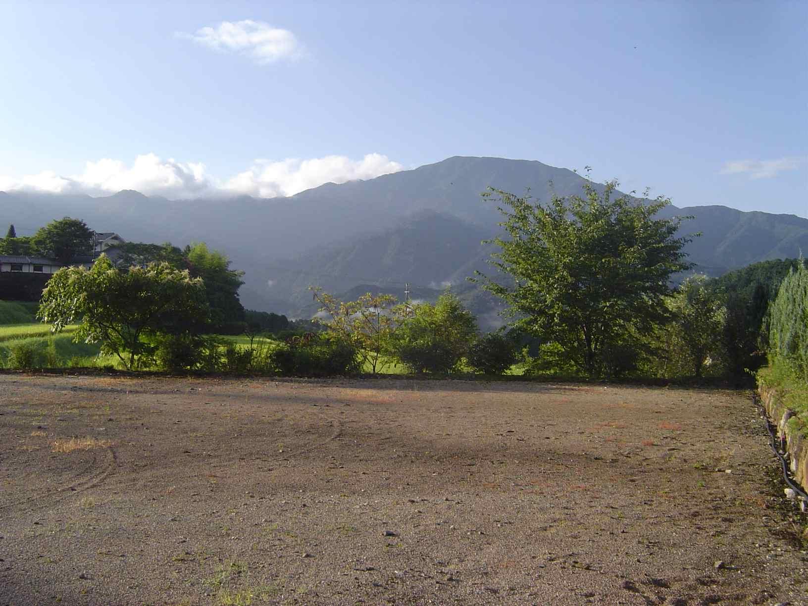 朝の恵那山