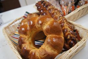 ブリオッシュと三つ編パン