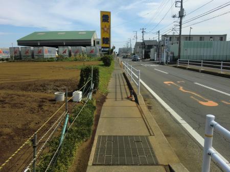 石田小学校南信号付近