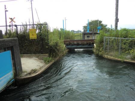 榎戸分水排水門