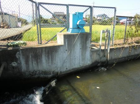 堰と分水口