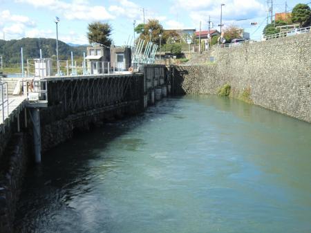 羽村取水堰取水口