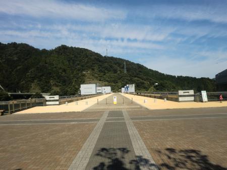 宮ヶ瀬ダム天端