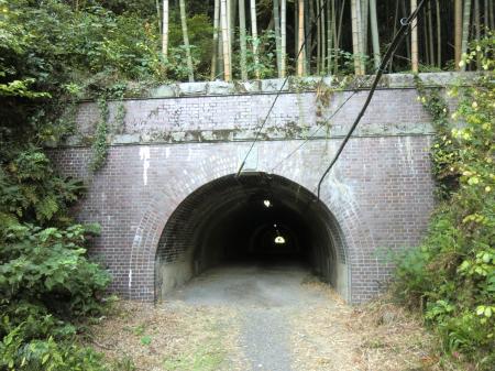 横須賀水道管路隧道・半原小付近