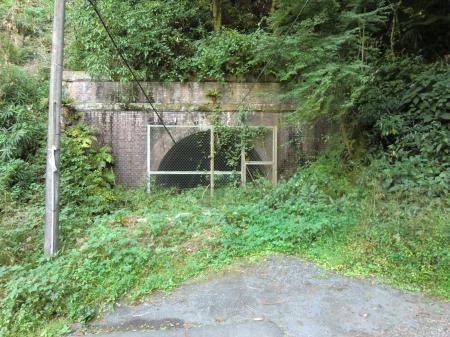 横須賀水道管路隧道・愛川橋付近
