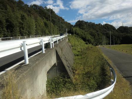 横須賀水道みち・河岸段丘崖上り口