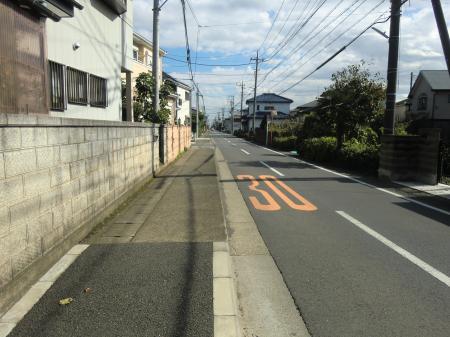 南東へ向かう横須賀水道みち