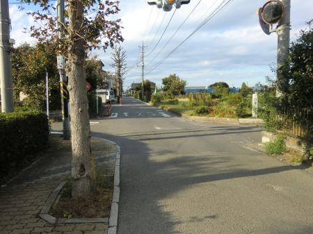 寺道と交差する水道みち