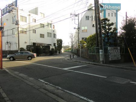 東海道線南の横須賀水道みち