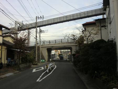横須賀水道みち・湘南モノレール付近